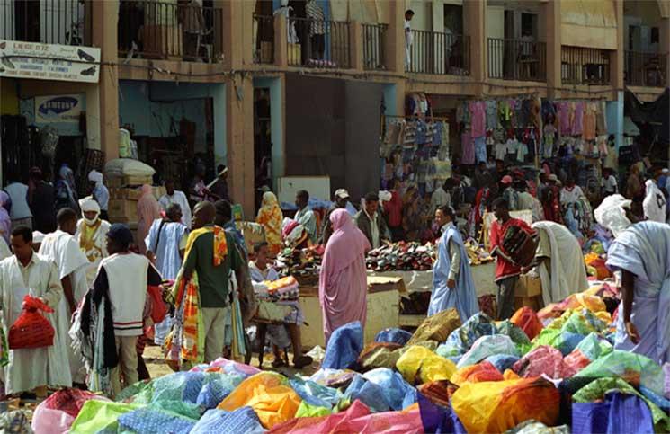 إقبال على أسواق الملابس وعلى الصالونات لحلاقة لحية رمضان